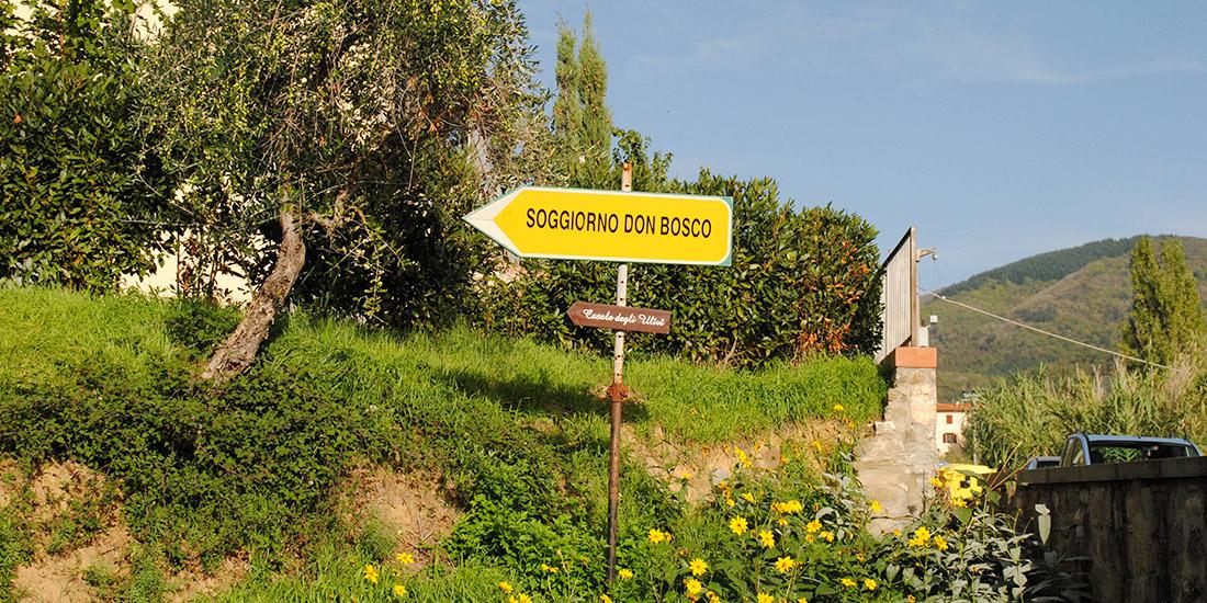 Cartello indicazione per il soggiorno don Bosco